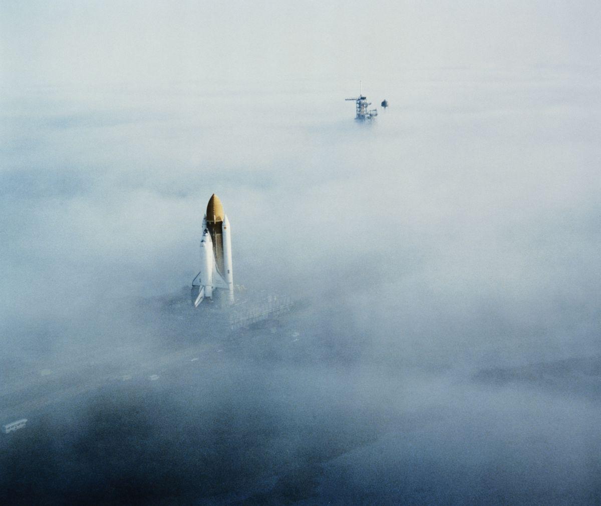 A Challenger űrsiklót tolják a kilövő állás felé a Kennedy ŰrközpontbanFotó: Space Frontiers/Getty Images