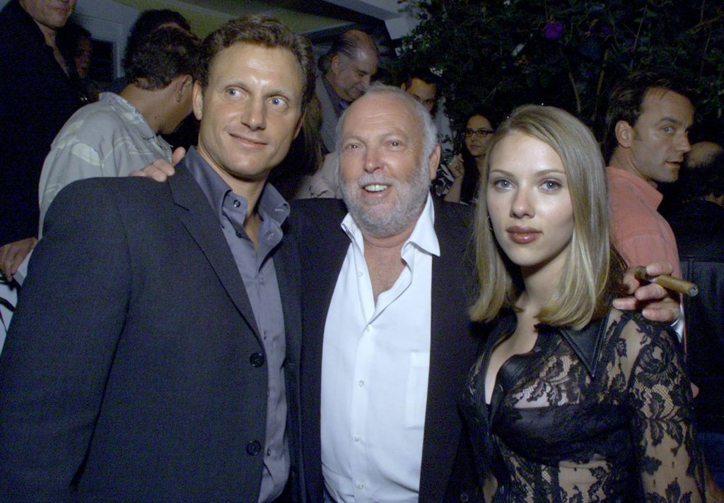 """Tony Goldwyn, Exec. Prod. Andrew Vajna and Scarlett Johansson at Off Vine for the after-party of """"An American Rhapsody"""" in Los Angeles, Ca. 8/03/01. Photo by Kevin Winter/Getty Images."""