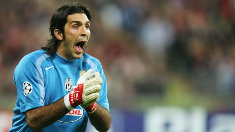 MUNICH, GERMANY - NOVEMBER 3:  Gianluigi Buffon of Juventus during the UEFA Champions League group C match between FC Bayern Munich and Juventus at The Olympic Stadium on November 3, 2004 in Munich, Germany.  (Photo by Stuart Franklin/Getty Images)