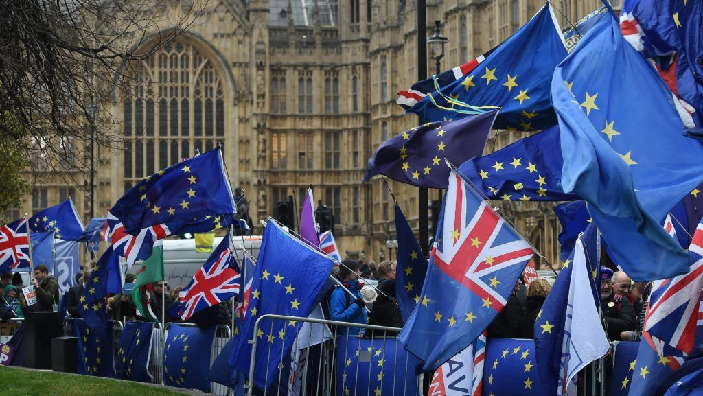 London, 2019. január 15. A brexitet ellenzõk tüntetnek a londoni parlament elõtt 2019. január 15-én. A brit parlament alsóháza ezen a napon szavaz a brit európai uniós tagság megszûnésének (brexit) feltételeirõl szóló megállapodásról. MTI/EPA/Andy Rain