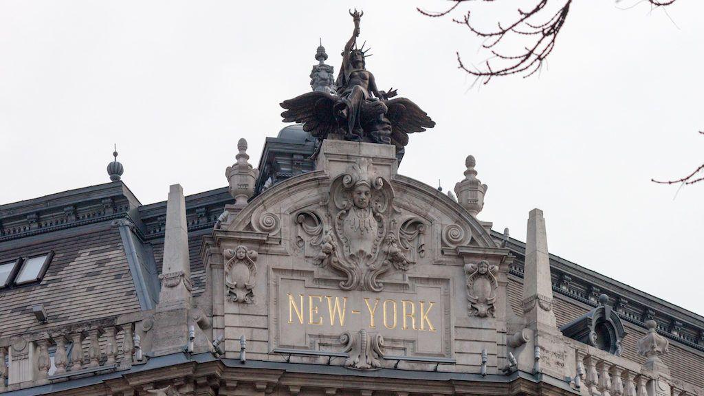 e296db2f6a Százhuszonöt éve figyeli már a Nagykörutat a New York-i Szabadság-szobor  testvére