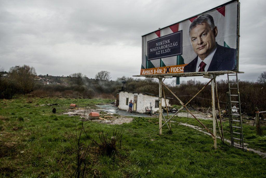 Tarsadalomabrazolas-dokumentarista-fotografia 3. díjRöhrig Dániel (atadhir.hu): Választás 2018