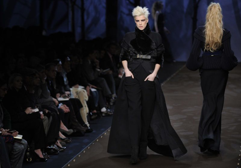 A model displays a creation by German designer Karl Lagerfeld for Fendi during the Autumn/Winter 2008/2009 women's collections at Milan Fashion Week on February 21, 2008.   AFP PHOTO / DAMIEN MEYER (Photo by DAMIEN MEYER / AFP)