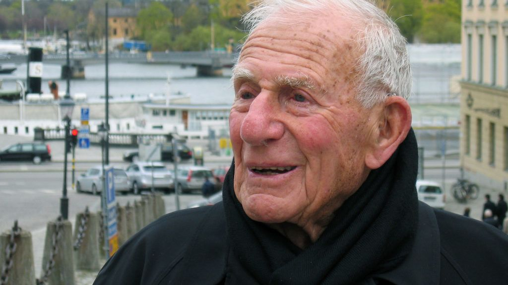 """STOCKHOLM - Sweden: Austrian-american oceanographer and geophysicist Walter Munk during an interview with the APA - Austria Press Agency on Saturday, May 8th 2010 in Stockholm. He is going to receive the Crafoord Prize on Tuesday, May 11th, for his achievements in geoscience by the Royal Swedish Academy of Sciences. APA-PHOTO: Andreas Stangl (Photo credit should read """"Andreas Stangl/APA-PictureDesk via AFP"""")"""