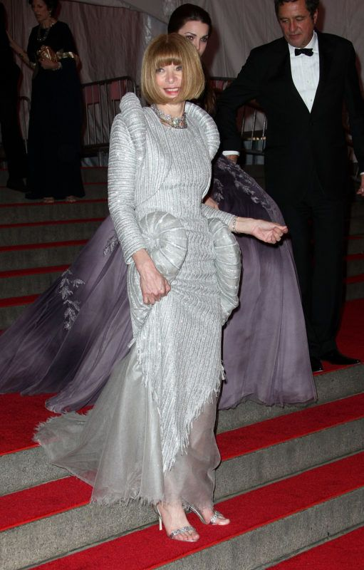 NEW YORK - MAY 05:  Editor-In-Chief of Vogue Anna Wintour departs from the Metropolitan Museum of Art Costume Institute Gala, Superheroes: Fashion and Fantasy, held at the Metropolitan Museum of Art on May 5, 2008 in New York City.  (Photo by Andrew H. Walker/Getty Images)
