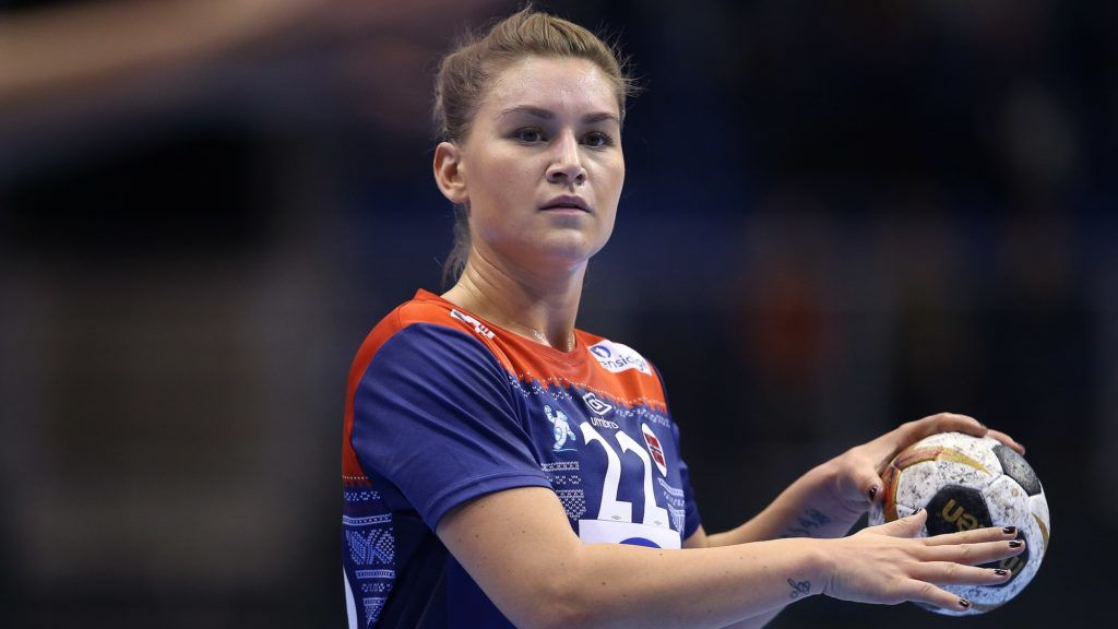 Norway's Amanda Kurtovic holds the ball during the IHF Women's World Championship handball quarter final match between Norway and Russia on December 13, 2017 in Magdeburg. (Photo by Ronny Hartmann / AFP)