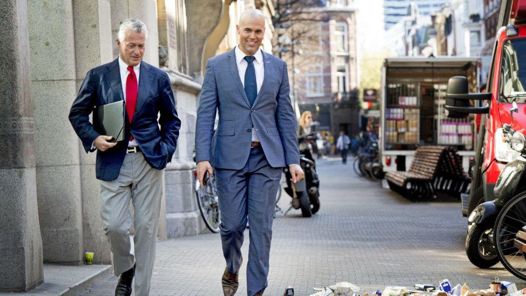 DEN HAAG - (VLNR) Laurence Stassen, Bram Moszkowicz en Joram van Klaveren tijdens de persconferentie van de politieke partij VNL. Voormalig advocaat Bram Moszkowicz heeft zich in Den Haag gepresenteerd als voorman van de nieuwe politieke partij VoorNederland (VNL). De 54-jarige Moszkowicz werd twee jaar geleden uit de advocatuur gezet wegens schending van gedragsregels en verwaarlozing van cliëntenbelangen. 21-April-2015 Bram Moszkowicz former lawyer has presented itself in The Hague as leader of the new political party For the Netherlands (VNL Voor Nederland). The 54-year-old Moszkowicz was put out two years ago as a lawyer for violation of rules of conduct and neglect of customer interests at Nieuwspoort in The Hague in the Netherlands COPYRIGHT ROBIN UTRECHT