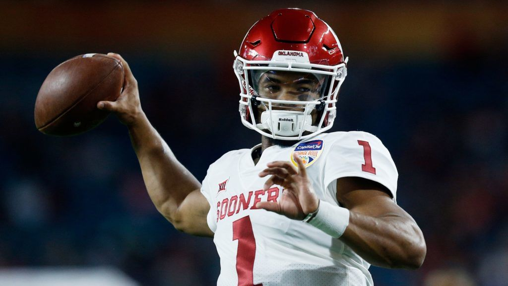 MIAMI, FL - DECEMBER 29: Kyler Murray #1 of the Oklahoma Sooners warming up prior to the College Football Playoff Semifinal at the Capital One Orange Bowl at Hard Rock Stadium on December 29, 2018 in Miami, Florida.   Michael Reaves/Getty Images/AFP