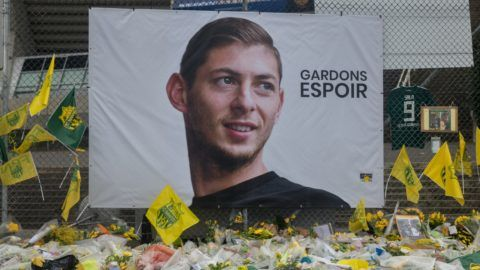 Deposit of wreaths and flowers in memory of Emiliano Sala, in front of the Beaujoire Stadium in Nantes. Photos taken on January 31, 2019, the day after the discovery on a Calvados beach of debris from the plane carrying the Argentine player and the match FC Nantes-AS Saint-Etienne during which his former teammates and supporters returned him a last tribute. (Photo by Estelle Ruiz/NurPhoto)
