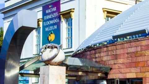 Budapest, 2017. október 12.A Magyar Természettudományi Múzeum épülete a főváros VIII. kerületében, a Ludovika téren.MTVA/Bizományosi: Jászai Csaba ***************************Kedves Felhasználó!Ez a fotó nem a Duna Médiaszolgáltató Zrt./MTI által készített és kiadott fényképfelvétel, így harmadik személy által támasztott bárminemű – különösen szerzői jogi, szomszédos jogi és személyiségi jogi – igényért a fotó készítője közvetlenül maga áll helyt, az MTVA felelőssége e körben kizárt.