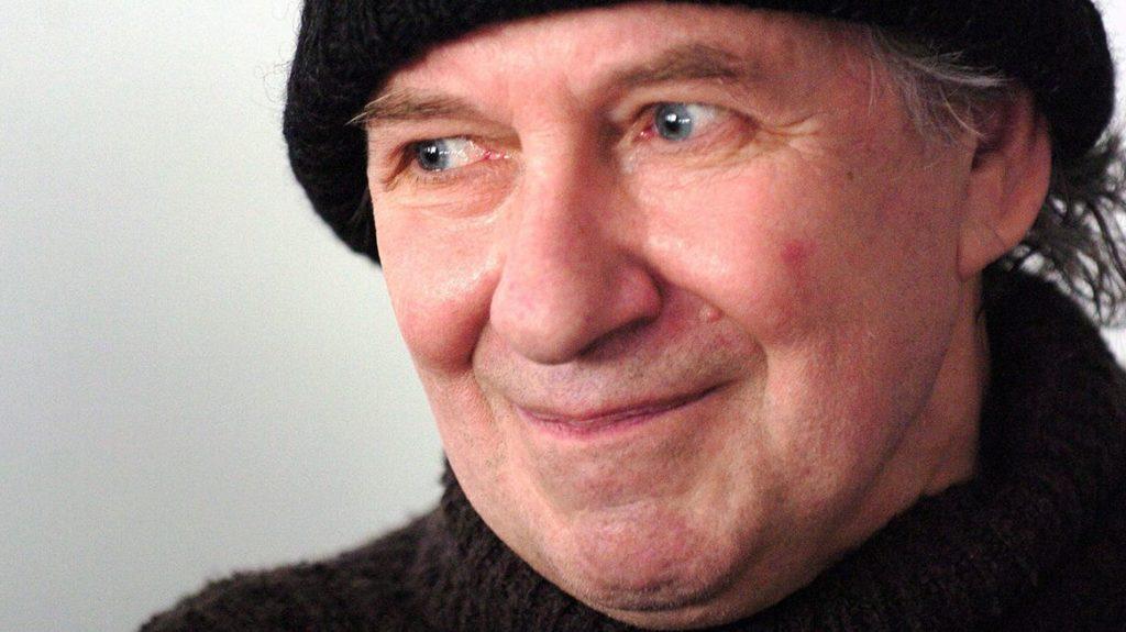 Budapest, 2007. április 18.Tandori Dezső költő, író, műfordító, kritikus, irodalomtörténész, rajzoló, miután 2007-ben a német-magyar irodalmi kapcsolatok terén kifejtett kiemelkedő munkássága elismeréséül átvette a Goethe-érmet Budapesten.MTI Fotó: Honéczy Barnabás