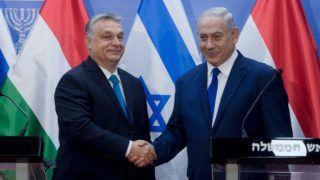 Jeruzsálem, 2018. július 19. Orbán Viktor miniszterelnök (b) és Benjámin Netanjahu izraeli miniszterelnök kezet fog a sajtónyilatkozat után Jeruzsálemben 2018. július 19-én. MTI Fotó: Koszticsák Szilárd
