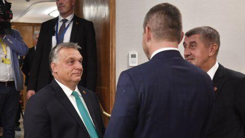 Salzburg, 2018. szeptember 19. Orbán Viktor magyar (b) és Andrej Babis cseh (j) miniszterelnök a visegrádi országok (V4) kormányfõi találkozóján az EU csúcstalálkozója elõtt Salzburgban 2018. szeptember 19-én. MTI Fotó: Máthé Zoltán