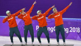 Kangnung, 2018. február 22. Burján Csaba, Knoch Viktor, Liu Shaoang és Liu Shaolin Sándor (b-j), a gyõztes magyar válogatott tagjai a phjongcshangi téli olimpia férfi 5000 méteres váltó rövidpályás gyorskorcsolyaversenyének eredményhirdetésén a Kangnung Jégcsarnokban 2018. február 22-én. Ez Magyarország történetének elsõ téli olimpiai elsõsége, és 1980 óta az elsõ dobogós helyezése. MTI Fotó: Czeglédi Zsolt