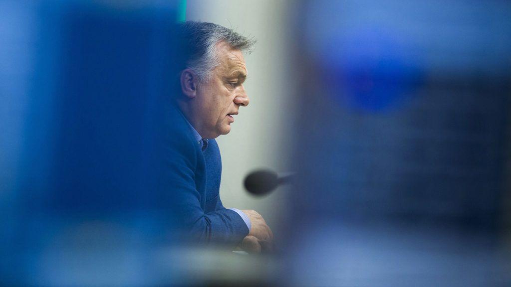 Budapest, 2018. november 23.Orbán Viktor miniszterelnök interjút ad a Jó reggelt, Magyarország! című műsorban a Kossuth rádió stúdiójában 2018. november 23-án.MTI/Balazs Mohai