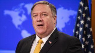 Washington, 2019. február 1. Mike Pompeo amerikai külügyminiszter sajtótájékoztatót tart a washingtoni külügyminisztériumban 2019. február 1-jén, ahol bejelentette, hogy felfüggeszti az INF-szerzõdésbõl, azaz a közepes hatótávolságú nukleáris erõk szerzõdésébõl eredõ kötelezettségvállalásait, és fél évet ad Moszkvának a követelései teljesítésére. MTI/EPA/Jim Lo Scalzo