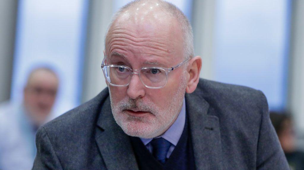 Brüsszel, 2019. január 30. Frans Timmermans, az Európai Bizottság elsõ alelnöke, a minõségi jogalkotás, az uniós intézményközi kapcsolatok, a jogállamiság, az uniós alapjogi charta tiszteletben tartása ügyében illetékes tagja a bizottság hetenkénti ülésén Brüsszelben 2019. január 30-án. MTI/EPA/Stephanie Lecocq
