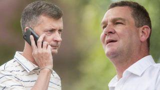 Sárvár, 2012. szeptember 6.Kubatov Gábor, a  Fidesz pártigazgatója telefonál a Park Inn Hotel bejáratánál, a Fidesz-KDNP frakcióülésére előtt, Sárváron 2012. szeptember 6-án.MTI Fotó: Szigetváry Zsolt