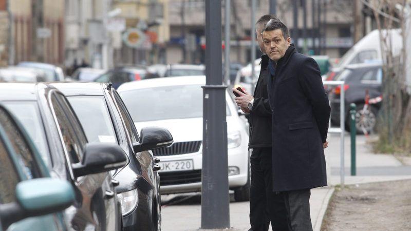 Budapest, 2014. február 16.Habony Árpád miniszterelnöki tanácsadó érkezik a budapesti Millenáris Teátrumhoz, ahol Orbán Viktor miniszterelnök évértékelő beszédét tartja 2014. február 16-án.MTI Fotó: Szigetváry Zsolt