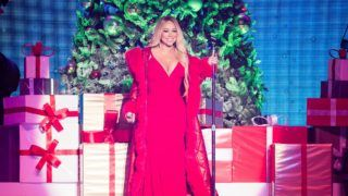 NOTTINGHAM, ENGLAND - DECEMBER 09: Mariah Carey performs live during her All I Want For Christmas Is You tour at Motorpoint Arena on December 09, 2018 in Nottingham, England. (Photo by Samir Hussein/WireImage)