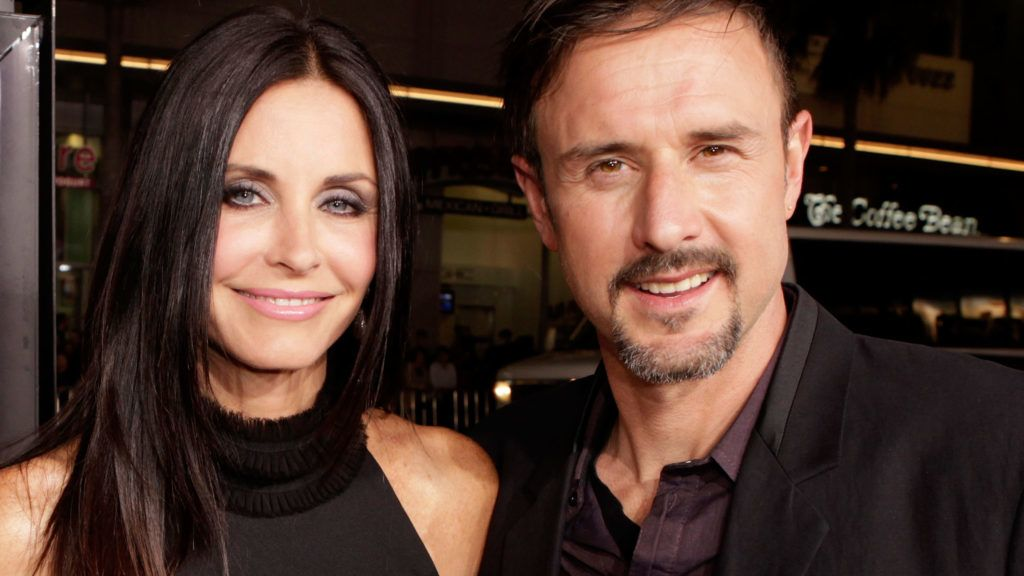 """HOLLYWOOD, CA - APRIL 11:  Actors Courteney Cox (L) and David Arquette arrive at the """"Scream 4"""" World Premiere at Grauman's Chinese Theatre on April 11, 2011 in Hollywood, California.  (Photo by Jeff Vespa/WireImage)"""