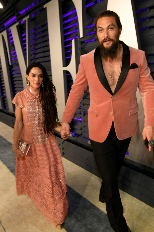 BEVERLY HILLS, CA - FEBRUARY 24:  Lisa Bonet (L) and Jason Momoa attend the 2019 Vanity Fair Oscar Party hosted by Radhika Jones at Wallis Annenberg Center for the Performing Arts on February 24, 2019 in Beverly Hills, California.  (Photo by Mike Coppola/VF19/Getty Images for VF)