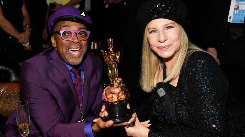 HOLLYWOOD, CALIFORNIA - FEBRUARY 24: (L-R) Spike Lee, winner of Adapted Screenplay for ''BlacKkKlansman,' and Barbra Streisand attend the 91st Annual Academy Awards Governors Ball at Hollywood and Highland on February 24, 2019 in Hollywood, California. (Photo by Kevork Djansezian/Getty Images)