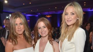 LOS ANGELES, CA - OCTOBER 30:  (L-R) Actresses Jennifer Aniston, Isla Fisher and Kate Hudson attend with FIJI Water at 29th American Cinematheque Awards honoring Reese Witherspoon on October 30, 2015 in Los Angeles, California.  (Photo by Charley Gallay/Getty Images for FIJI Water)