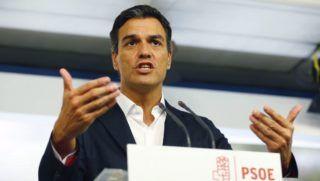 Madrid, 2016. szeptember 5.  Pedro Sanchez, a Spanyol Szocialista Munkáspárt (PSOE) elnöke helyzetértékelõ sajtóértekezletet tart a párt végrehajtó bizottságának ülése után Madridban 2016. szeptember 5-én. A megismételt parlamenti választásokon gyõztes Néppárt elnökét, Mariano Rajoy ügyvezetõ miniszterelnököt a második szavazáson sem választotta újra a spanyol parlament a szeptember 2-i ülésén. A PSOE elutasította Rajoy újraválasztását. (MTI/EPA/J.P.Gandul)