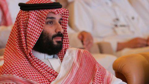 Rijád, 2018. október 23. Mohamed bin Szalmán szaúd-arábiai trónörökös herceg egy rijádi nemzetközi befektetési  konferencián 2018. október 23-án. A konferencia az elsõ jelentõs nemzetközi esemény Szaúd-Arábiában azóta, hogy október 2-án a királyság isztambuli fõkonzulátusán megölték Dzsamál Hasogdzsi szaúdi ellenzéki újságírót. MTI/EPA/Faresz Gaisz