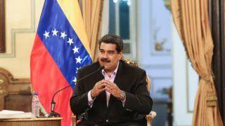 Caracas, 2019. január 29. A Miraflores Elnöki Sajtóiroda által közreadott képen Nicolás Maduro venezuelai elnök az Egyesült Államok területén dolgozó venezuelai diplomatákkal folytatott megbeszélés közben Caracasban 2019. január 28-án. MTI/EPA/Miraflores Elnöki Sajtóiroda