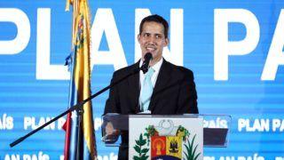Caracas, 2019. január 31. Juan Guaidó, az ellenzéki többségû venezuelai parlament elnöke kormányzati akciótervet ismertet a Venezuelai Központi Egyetemen Caracasban 2019. január 31-án, nyolc nappal az után, hogy ideiglenes államfõvé nyilvánította magát. Ezen a napon az Európai Parlament elismerte Guaidót Venezuela ideiglenes államfõjeként, követve ezzel az Egyesült Államok és több térségbeli ország példáját. MTI/EPA/EFE/Cristian Hernández