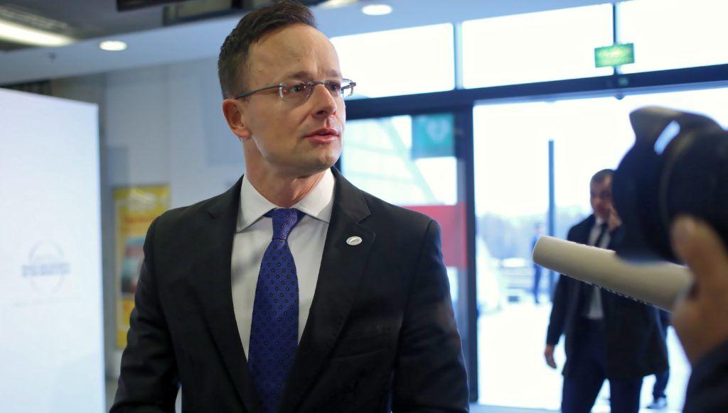 Varsó, 2019. február 14. Szijjártó Péter külgazdasági és külügyminiszter a közel-keleti helyzetrõl rendezett varsói nemzetközi értekezlet második napi ülésére érkezik 2019. február 14-én. MTI/PAP/Leszek Szymanski
