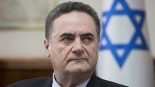 """Jeruzsálem, 2019. február 18. Jiszráel Kac ügyvezetõ izraeli külügyminiszter kabinetülésen vesz részt a jeruzsálemi miniszterelnöki hivatalban 2019. február 17-én. Kac - idézve Jichák Samír néhai miniszterelnököt - az i24 News izraeli rádióban kijelentette, hogy a """"lengyelek az anyatejjel szívták magukba az antiszemitizmust"""". Kac szavait Lengyelország izraeli nagykövete, volt államfõi szóvivõ, Marek Magierowski is """"megengedhetetlennek"""" és """"rasszistának"""" minõsítette, valamint február 18-án bekérették a varsói külügyminisztériumba Izrael varsói nagykövetét. MTI/EPA/Sebastian Scheiner"""