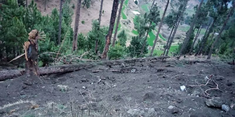 """This handout photograph released by Pakistan's Inter Services Public Relations (ISPR) on February 26, 2019 shows a view of damage caused to trees in the hilly terrain after the Indian air force dropped their payload in the Balakot area. - Indian planes briefly violated Pakistani airspace, the Pakistan military said on February 26, claiming it had repelled the incursion 12 days after a militant attack in disputed Kashmir sent tensions soaring between the nuclear-armed neighbours. (Photo by HANDOUT / ISPR / AFP) / -----EDITORS NOTE---- RESTRICTED TO EDITORIAL USE - MANDATORY CREDIT """"AFP PHOTO / INTER SERVICES PUBLIC RELATIONS"""" ---- NO MARKETING NO ADVERTISING CAMPAIGNS - DISTRIBUTED AS A SERVICE TO CLIENTS"""