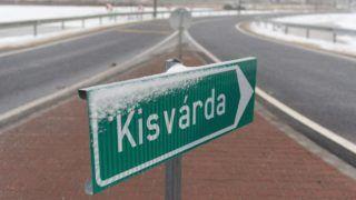 Kisvárda, 2017. december 22. Leágazás a Kisvárdát délrõl elkerülõ útnál az átadóünnepség napján a város határában, az Ajaki út új körforgalmú csomópontnál 2017. december 22-én. A most átadott út 3,3 kilométer hosszú, a beruházás nettó 3,275 milliárd forintba került. MTI Fotó: Balázs Attila