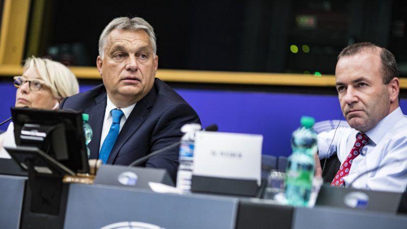 Strasbourg, 2018. szeptember 11. Orbán Viktor miniszterelnök (b2) az Európai Néppárt (EPP) frakcióülésén az EP épületében, Strasbourgban 2018. szeptember 11-én. Mellette Manfred Weber, az Európai Néppárt, az EPP frakcióvezetõje (j). MTI Fotó: Miniszterelnöki Sajtóiroda / Szecsõdi Balázs