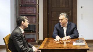Budapest, 2019. március 25. Orbán Viktor miniszterelnök (j) a Karmelita kolostorban fogadta Yoram Hazony izraeli filozófust, a jeruzsálemi Herzl Intézet elnökét 2019. március 25-én. A Miniszterelnöki Sajtóiroda által közreadott kép. MTI/Miniszterelnöki Sajtóiroda