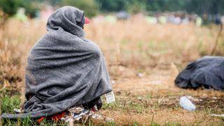 Horgos, 2016. július 26. Éhségsztrájkot folytató migráns a szerb-magyar határ közelében Horgosnál 2016. július 26-án. Két nappal korábban 130 migráns érkezett gyalog Belgrádból Horgosra, akik közül július 25-én mindössze negyvenen folytattak éhségsztrájkot a tranzitzóna közelében, hogy Magyarország megnyissa a határt elõttük. MTI Fotó: Balogh Zoltán