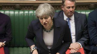 London, 2019. március 14. Theresa May brit miniszterelnök felszólal a brit EU-tagság megszûnésérõl (Brexit) tartott vitában a londoni parlamentben 2019. március 13-án. Az alsóház késõ este elutasította a megállapodás nélküli Brexit lehetõségét, ezért a kormány március 14-én indítványt terjeszt a ház elé a március 29-én esedékes Brexit halasztásának kezdeményezésérõl. MTI/AP/Brit parlament/Mark Duffy