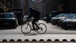 Budapest, 2019. február 28. Kerékpáros a tavaszias napsütésben Budapesten a Szent István körúton 2019. február 28-án. A legmagasabb nappali hõmérséklet az országban 14 és 20 fok között van. MTI/Balogh Zoltán
