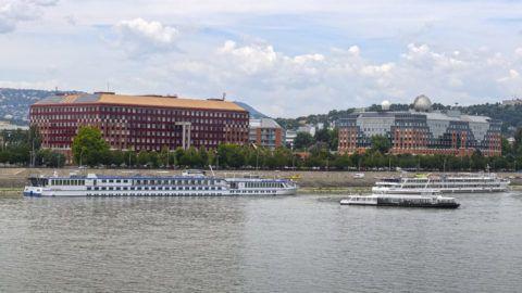 Budapest, 2018. július 4.Az ELTE Lágymányosi Campus - déli és északi tömbje a Pázmány Péter sétányon a Duna budai partján.MTVA/Bizományosi: Róka László ***************************Kedves Felhasználó!Ez a fotó nem a Duna Médiaszolgáltató Zrt./MTI által készített és kiadott fényképfelvétel, így harmadik személy által támasztott bárminemű – különösen szerzői jogi, szomszédos jogi és személyiségi jogi – igényért a fotó készítője közvetlenül maga áll helyt, az MTVA felelőssége e körben kizárt.