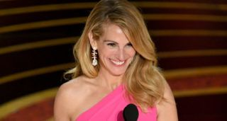 HOLLYWOOD, CALIFORNIA - FEBRUARY 24: (EDITORS NOTE: Retransmission with alternate crop.) Julia Roberts speaks onstage during the 91st Annual Academy Awards at Dolby Theatre on February 24, 2019 in Hollywood, California. (Photo by Kevin Winter/Getty Images)