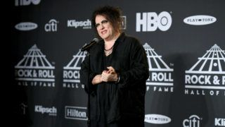 NEW YORK, NEW YORK - MARCH 29: Inductee Robert Smith of The Cure poses in the press room at the 2019 Rock & Roll Hall Of Fame Induction Ceremony - Press Room at Barclays Center on March 29, 2019 in New York City. (Photo by Nicholas Hunt/WireImage)