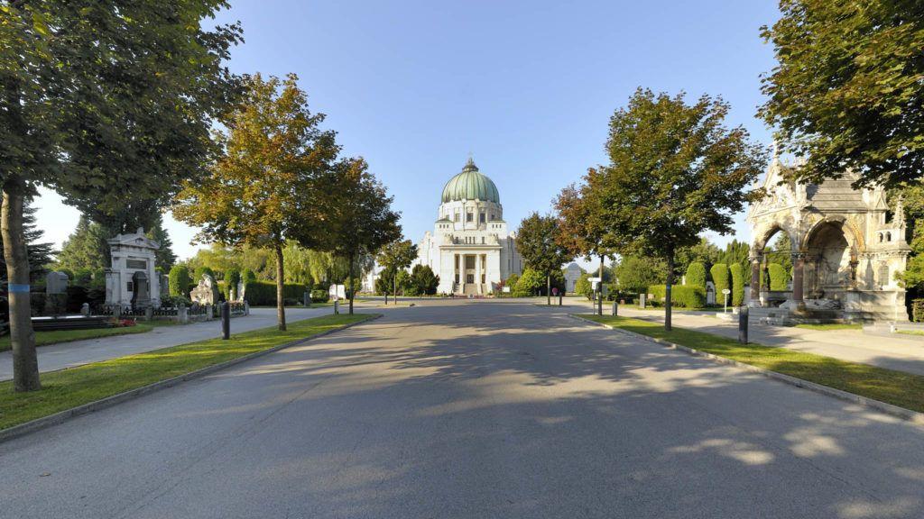 Hauptallee des Zentralfriedhofs (11. Bezirk)