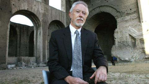South-African writer John M.Coetzee, Nobel Price for literature, poses for photographers in Rome, 22 June 2004 during a literature festival. AFP PHOTO/ Tiziana FABI (Photo by TIZIANA FABI / AFP)