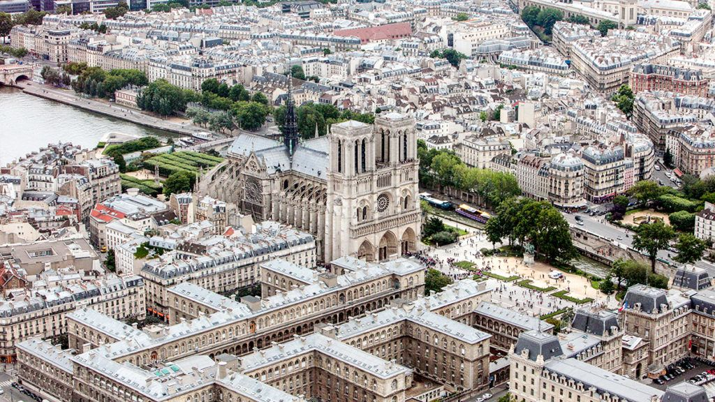This aerial picture taken on July 14, 2012 shows the Notre-Dame Cathedral on the Ile de la Cite (City Island) in Paris.    AFP PHOTO / LOIC VENANCE (Photo by LOIC VENANCE / AFP)