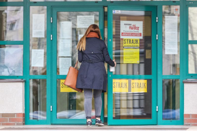 Closed due the general teachers strike, primary school no 85 is seen in Gdansk, Poland on9 April 2019  Polish teachers began a nationwide strike demanding pay rise, putting pressure on the government before parliamentary elections in October this year. (Photo by Michal Fludra/NurPhoto)