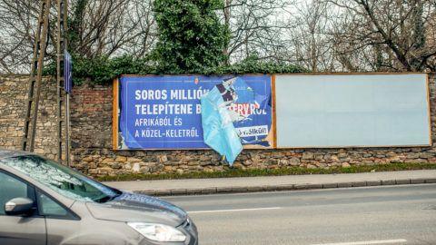 Egymilliárdért reklámozzák Semjén Zsolt vadászati kiállítását