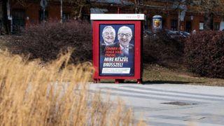 """Image: 73868812, A kormŠny ķjabb plakŠtkampŠnyt indŪtott 2019. februŠrban """"÷nnek is joga van tudni, mire kťszŁl BrŁsszel!"""" felirattal, Soros gyŲrgy ťs Jean-Claude Juncker arckťpťvel., Place: Budapest, Hungary, License: Rights managed, Model Release: No or not aplicable, Property Release: Yes, Credit: smagpictures.com"""